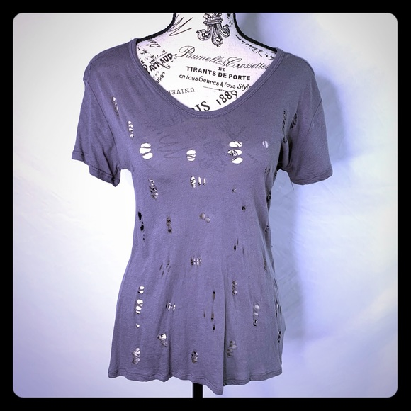 Forever 21 Tops - Forever 21 distressed tee